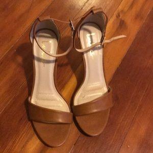LuLu's tan brown delicate heel